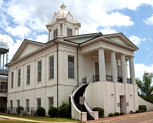 512px-Lowndes_County_Courthouse